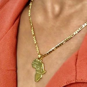 Mini Africa necklace, 18k gold plated